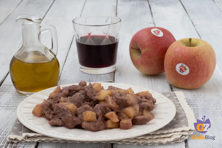 Ricetta straccetti di carne alle mele dal blog cucina facile con elena melapi - In cucina con elena ...